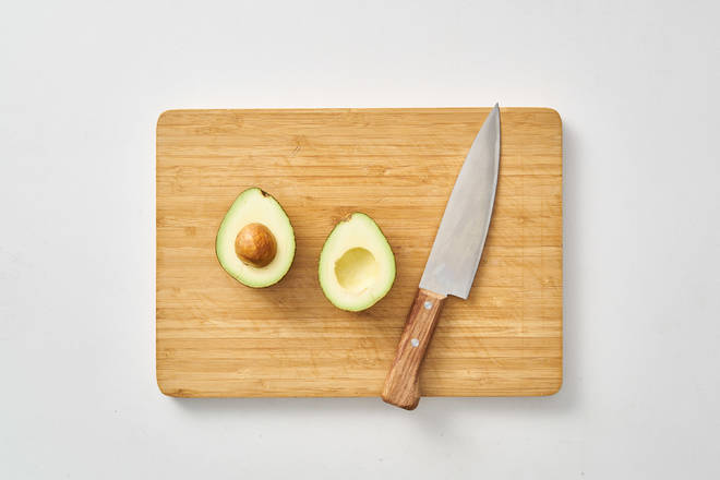 Home Cooking Recipe: 1- Cut the avocado in half and go to the core.