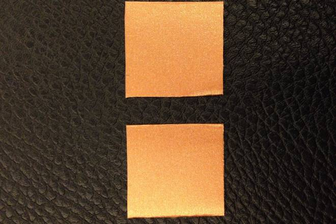 Home Cooking Recipe: 1. The cardboard is cut into two small squares;