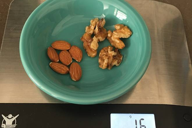 Home Cooking Recipe: 16g almonds, walnuts - 100 calories