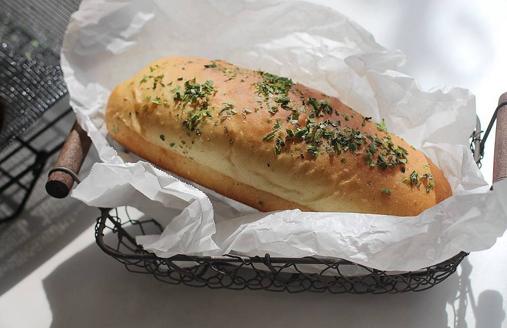 Home Cooking Recipe: A combination of cold storage and liquid seeding methods to create a salty and soft cheese seaweed soft bread