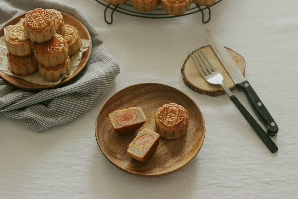 Home Cooking Recipe: A small moon, small egg yolk, lotus moon cake