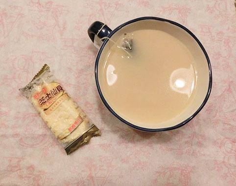 Home Cooking Recipe: A white chocolate Earl milk tea that is better than Starbucks