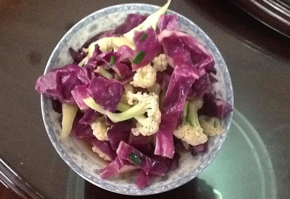 Home Cooking Recipe: Abalone sauce, purple cabbage, fried cauliflower