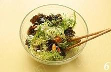 Home Cooking Recipe: Add salt, chicken, black pepper, fruit vinegar, olive oil, then mix well with chopsticks