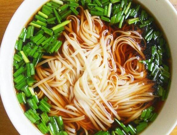 Home Cooking Recipe: After the noodles are good, you can fish in the soup.
