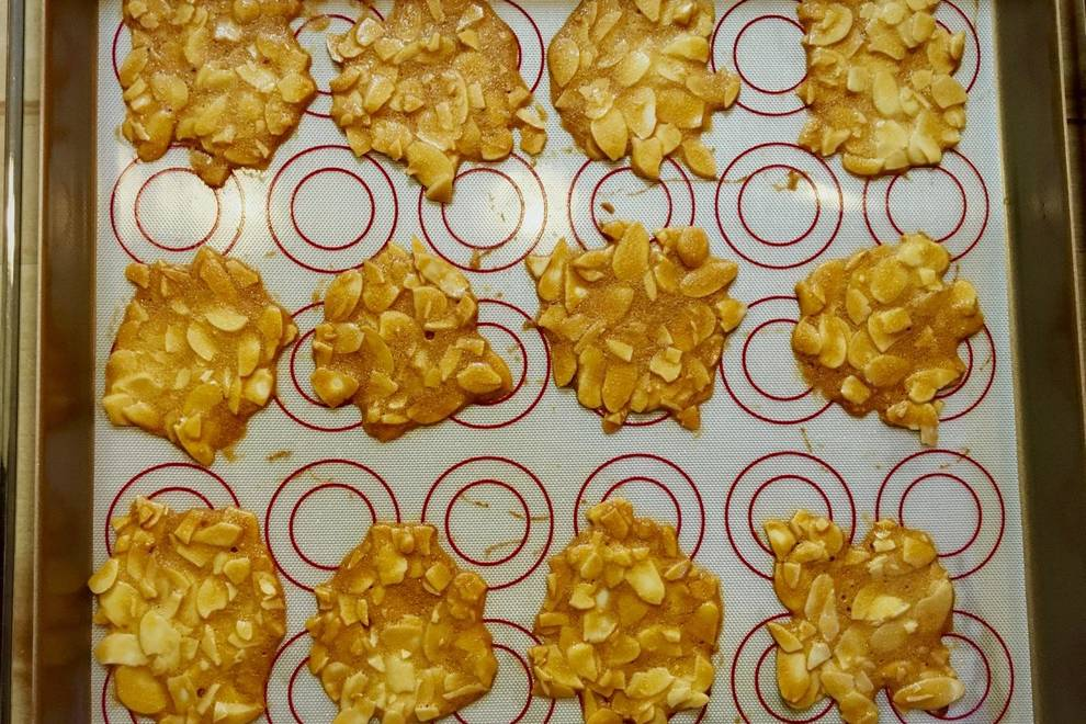 Home Cooking Recipe: Almond crackers