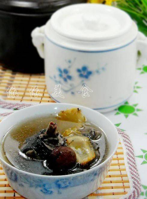 Home Cooking Recipe: American Ginseng stewed black chicken soup