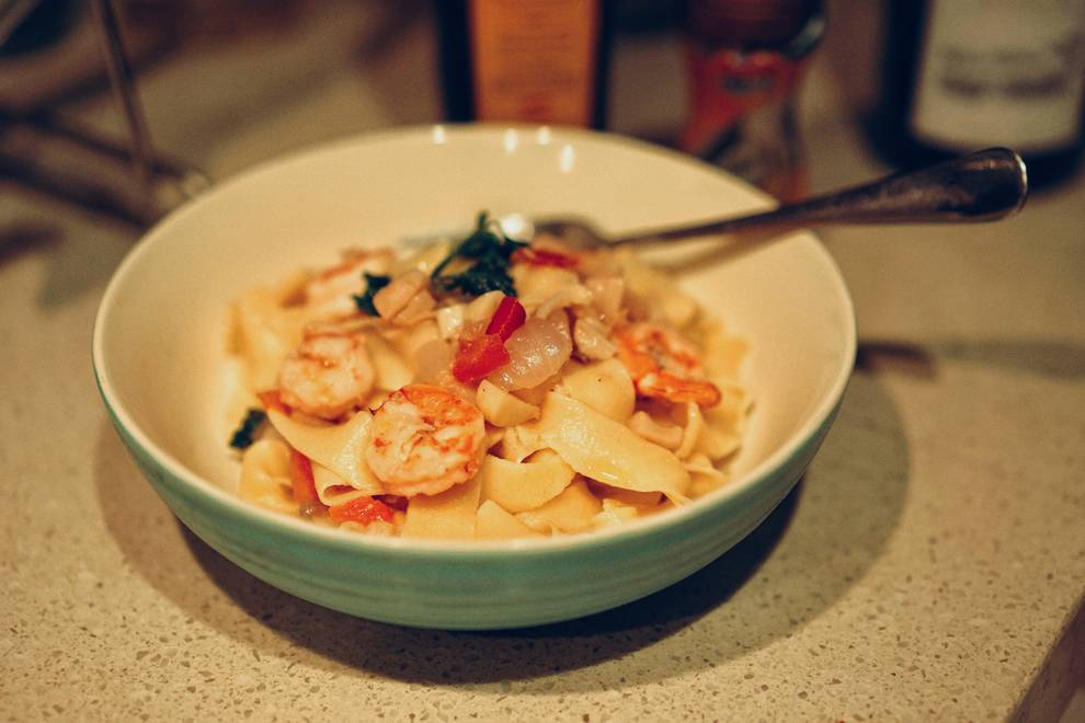 Home Cooking Recipe: Antalusian style scallop shrimp ball fresh pasta