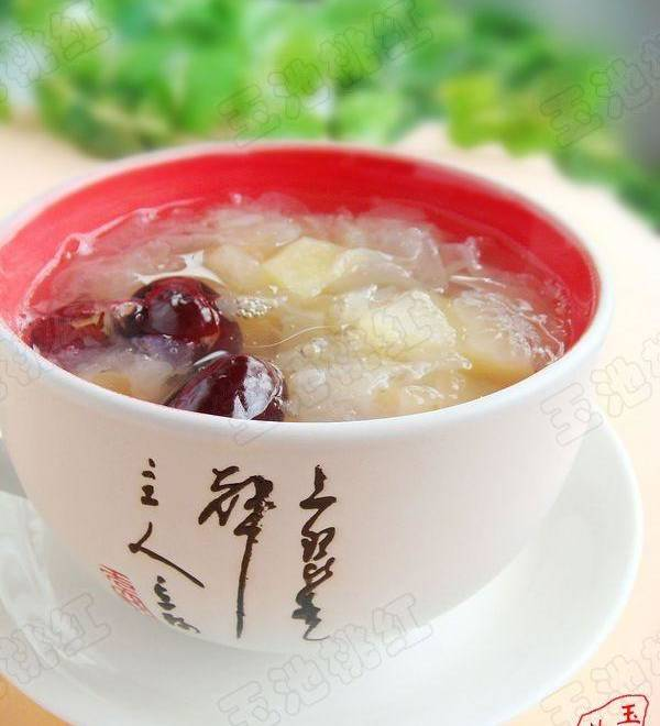 Home Cooking Recipe: Apple Tremella Red Jujube Soup