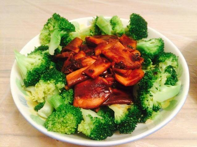 Home Cooking Recipe: Apricot mushroom buckle broccoli