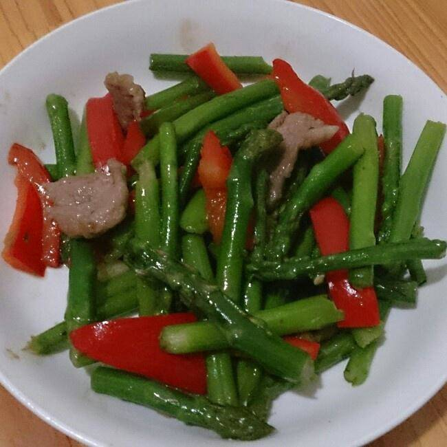 Home Cooking Recipe: Asparagus and red pepper fried pork