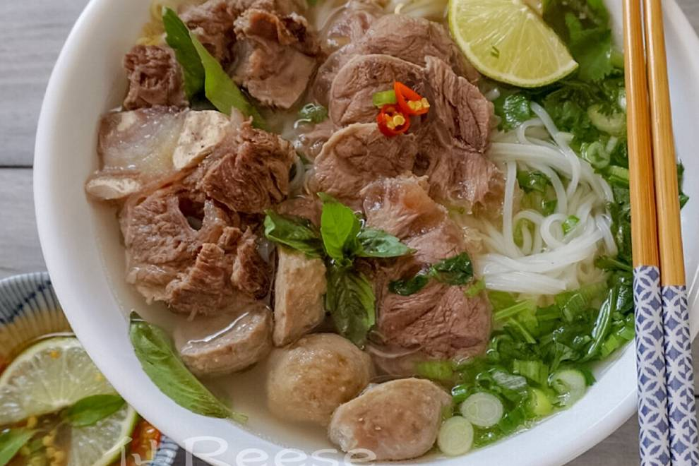 Home Cooking Recipe: Authentic Vietnamese beef pho (with secret recipe)