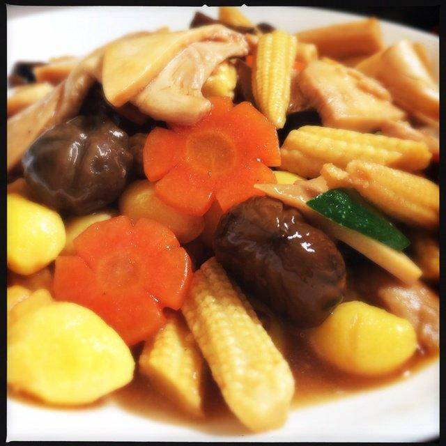 Home Cooking Recipe: Bai Ling Mushroom Luo Hanzhai