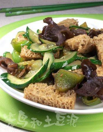 Home Cooking Recipe: Baked bran fried cucumber