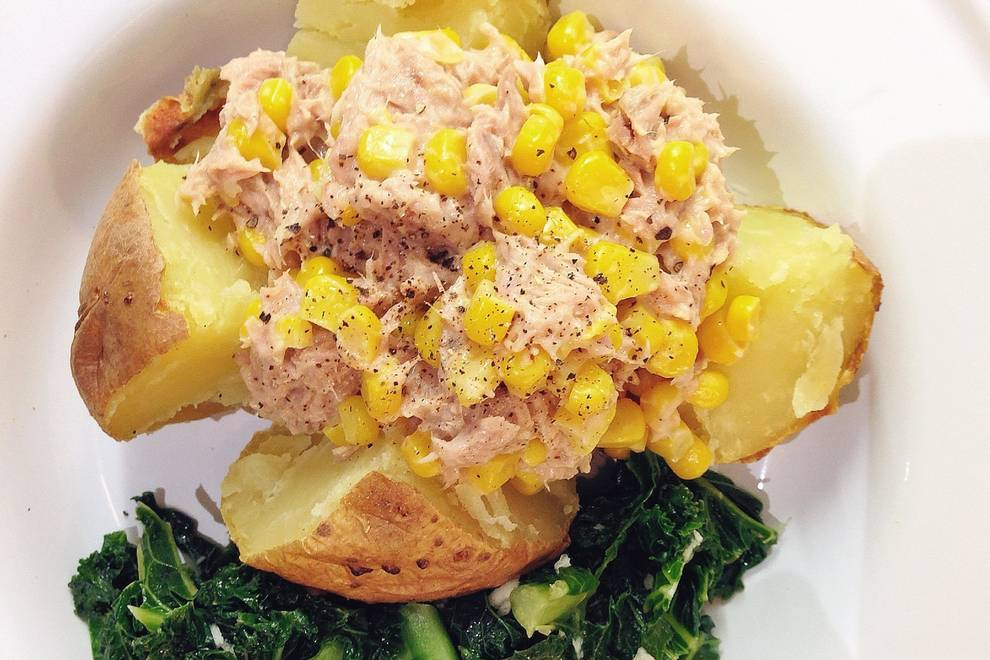 Home Cooking Recipe: Baked potato with swallow fish corn salad jacket potato with tuna and sweetcorn