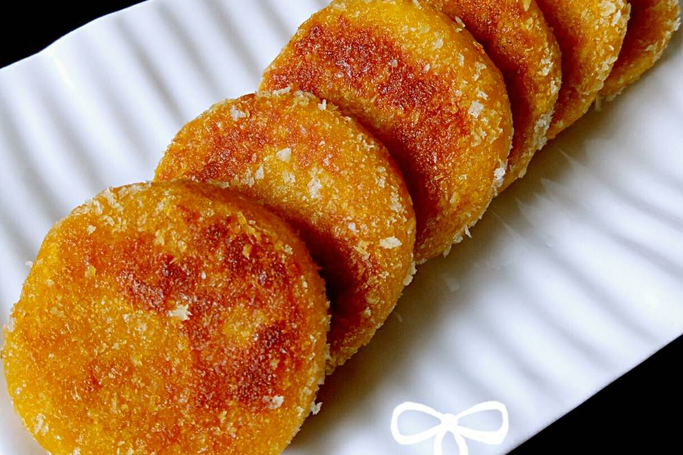 Home Cooking Recipe: Bean paste pumpkin glutinous rice cake (outside crispy tender)
