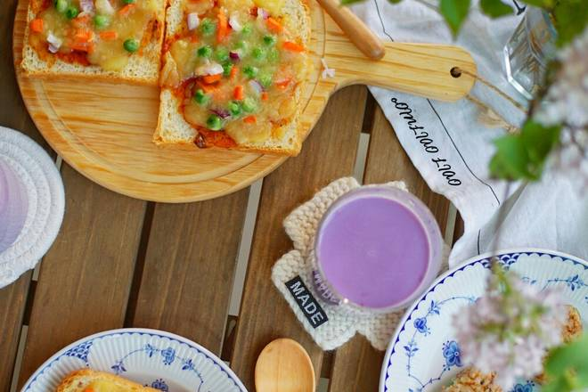 Home Cooking Recipe: Breakfast: Toast Pizza + Miso Rice Ball + Purple Potato Milkshake