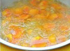 Home Cooking Recipe: Cook for another 5-10 minutes, melt the sugar, and mix the flavor of papaya.