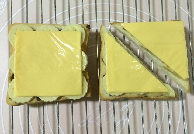 Home Cooking Recipe: Cover the cheese on the toast!