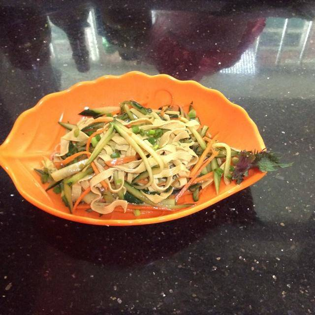 Home Cooking Recipe: Cucumber cold tofu skin
