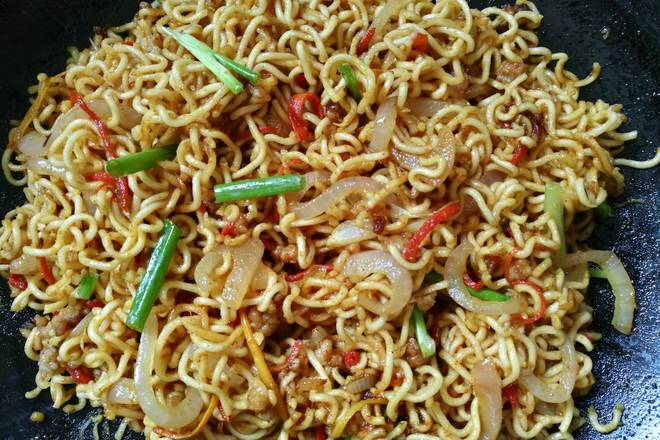 Home Cooking Recipe: Curry instant noodles perfectly out of the pan