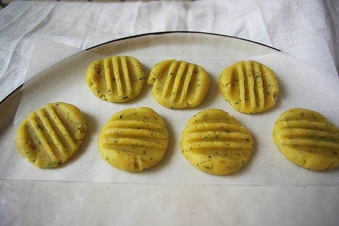 Home Cooking Recipe: Dangdang, that's it, is it super beautiful, and there is a fragrance. The oven is preheated for 180 minutes at 180 degrees, and the biscuits are fired in the oven at 180 degrees for 15 minutes.