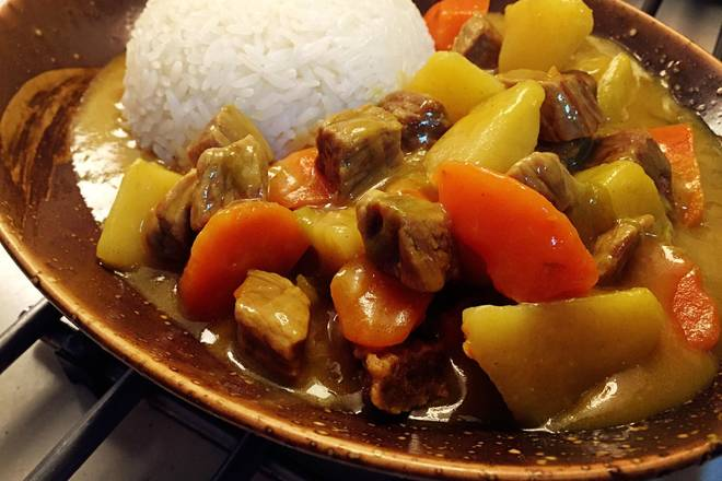 Home Cooking Recipe: Delicious beef curry out of the pan