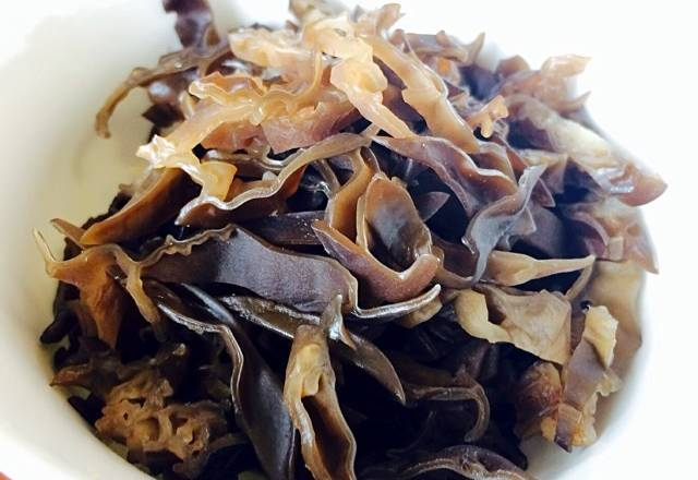 Home Cooking Recipe: Dry fungus bubble shreds ~