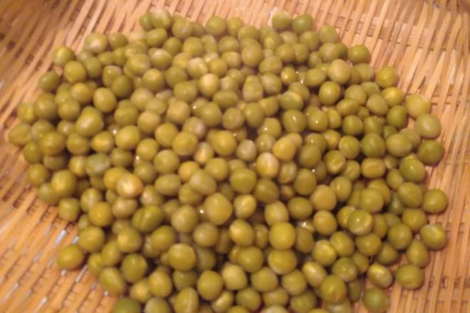 Home Cooking Recipe: Filter out the cooked peas