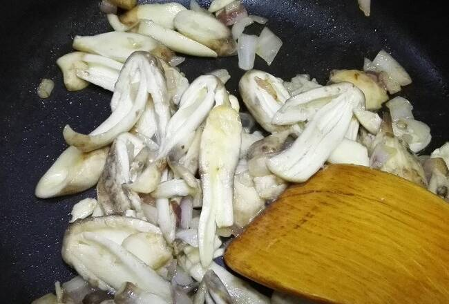 Home Cooking Recipe: First onion, chicken leg mushroom