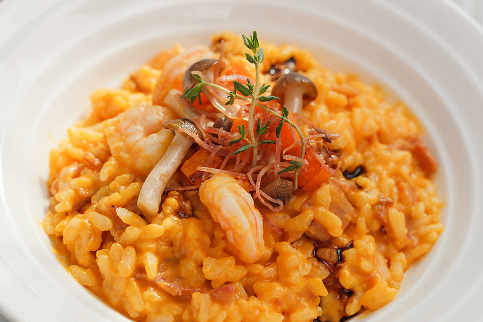 Home Cooking Recipe: Fresh shrimp Parma ham pumpkin risotto [food package operation instructions]