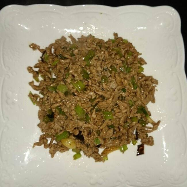 Home Cooking Recipe: Fried celery with minced beef
