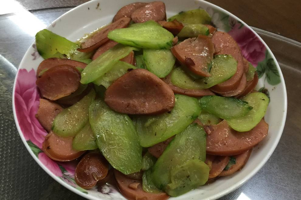 Home Cooking Recipe: Fried ham with cucumber