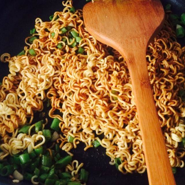 Home Cooking Recipe: Fried noodles (instant noodles)