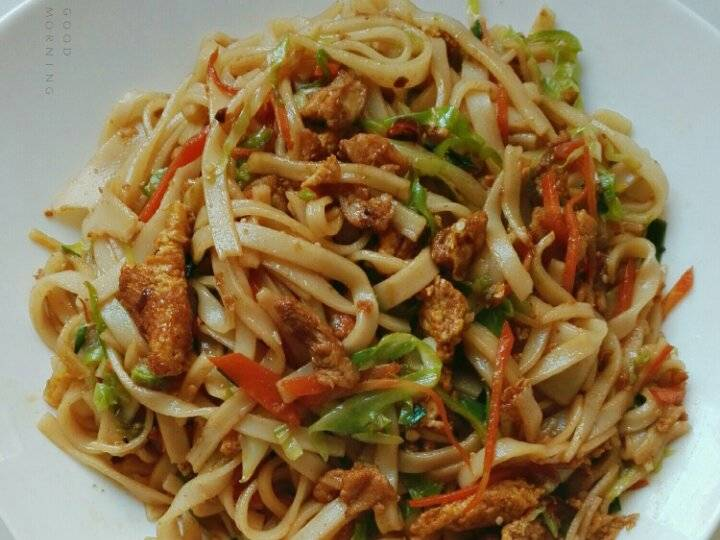 Home Cooking Recipe: Fried noodles with chicken