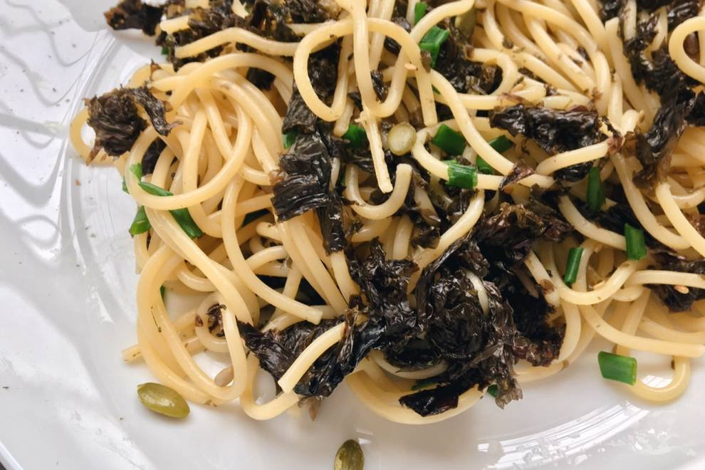 Home Cooking Recipe: Fried noodles with seaweed