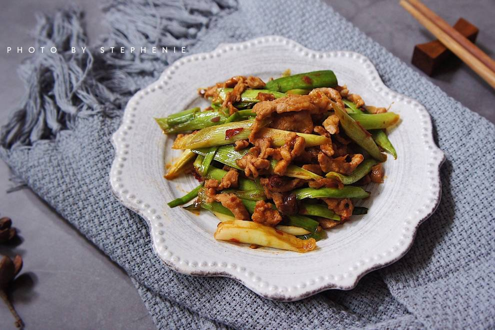Home Cooking Recipe: Fried pork with green garlic