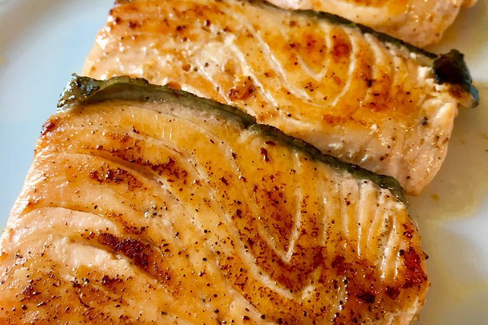 Home Cooking Recipe: Fried salmon with butter