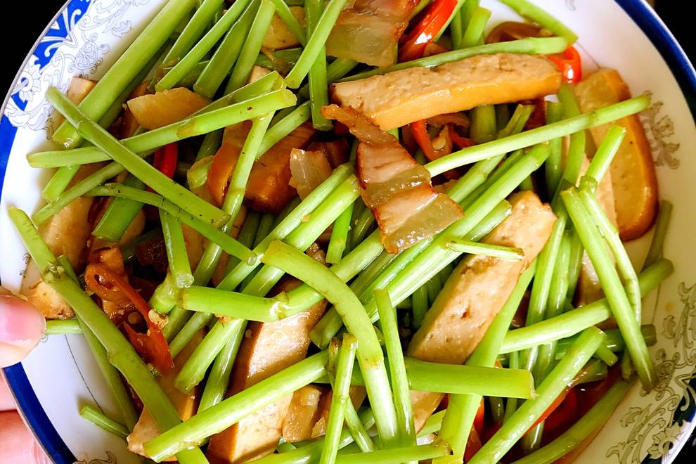 Home Cooking Recipe: Fried sautéed scallions with sautéed scallions