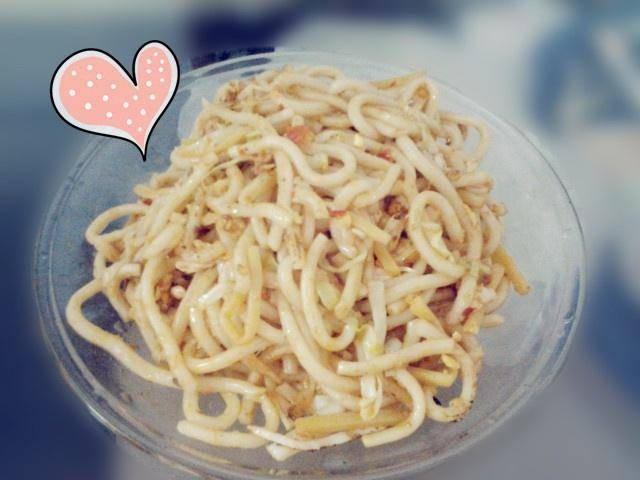 Home Cooking Recipe: Fried sour noodles with sour bamboo shoots