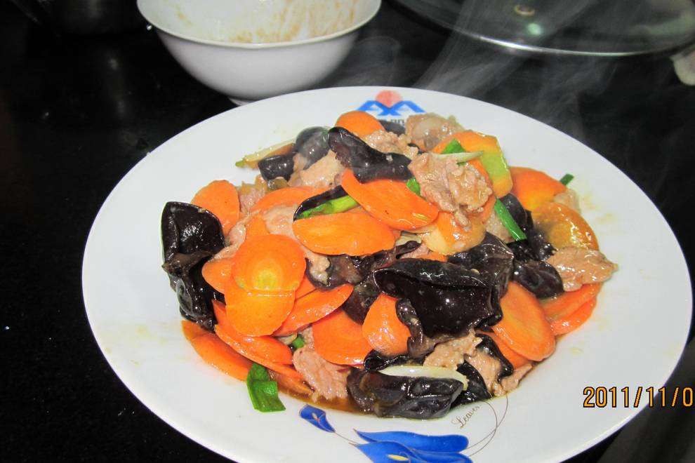 Home Cooking Recipe: Fungus carrot fried pork