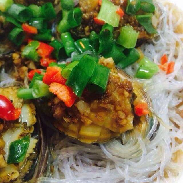 Home Cooking Recipe: Garlic fans steamed small abalone
