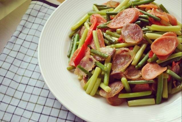 Home Cooking Recipe: Garlic Sauteed Sausage (No Oil)