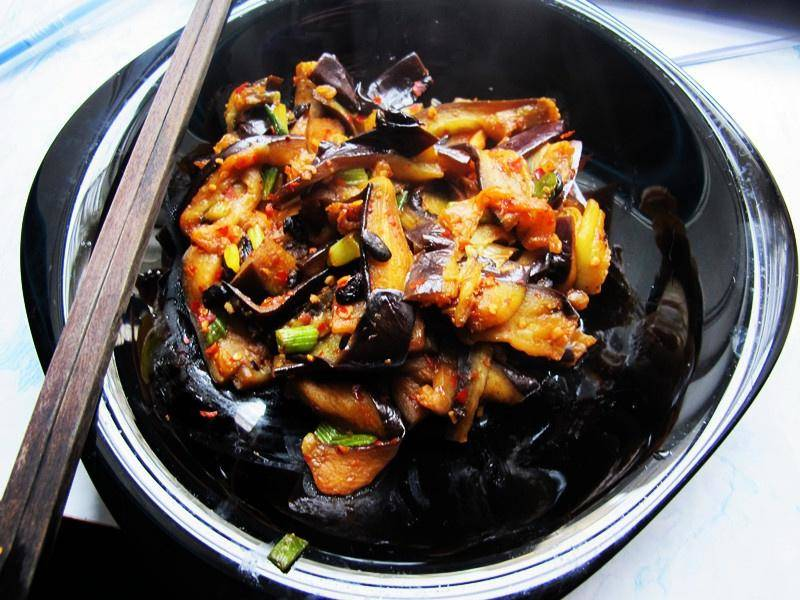 Home Cooking Recipe: Garlic, spicy sauce, eggplant