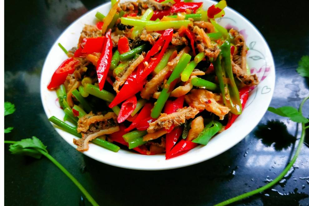 Home Cooking Recipe: Garlic stir-fried beef louver