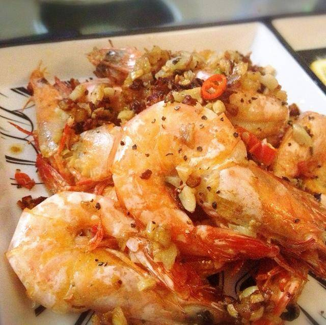 Home Cooking Recipe: Garlic yellow fried tiger shrimp