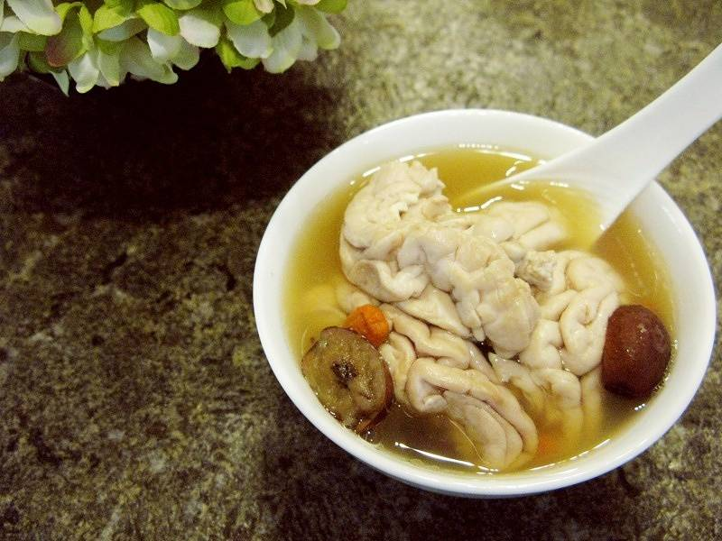Home Cooking Recipe: Gastrodia stewed pig brain