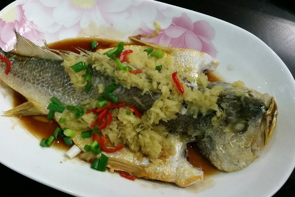 Home Cooking Recipe: Ginger steamed yellow croaker