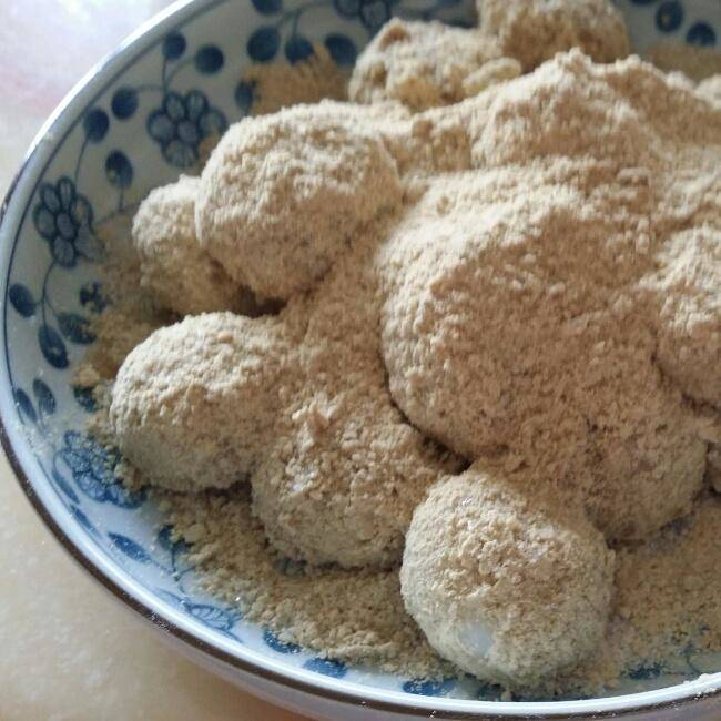 Home Cooking Recipe: Glutinous rice dumplings (rolled soy flour)