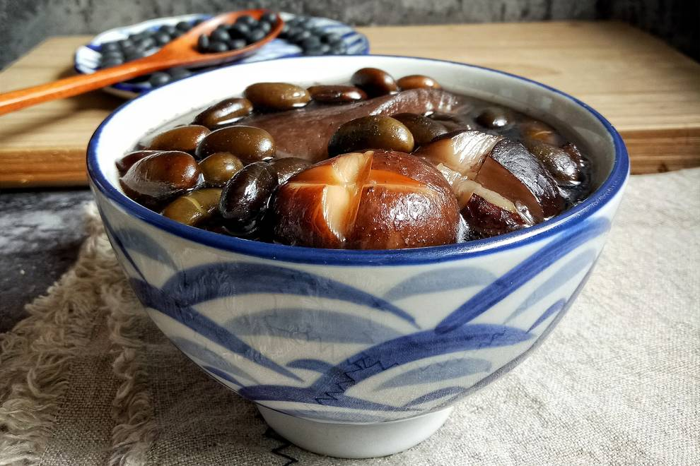 Home Cooking Recipe: Good suede! (Black Bean Meat Skin Beauty Soup)